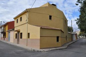 4 bedroom Townhouse for sale in Chinorlet