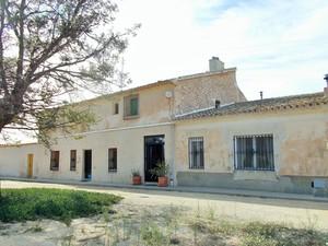 7 bedroom Villa for sale in Pinoso