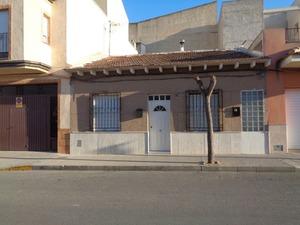 4 bedroom Geschakelde Woning te koop in Benejuzar