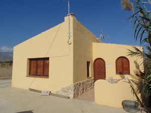 6 bedroom Villa for sale in Agost