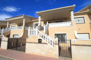 5 bedroom Townhouse for sale in Daya Vieja