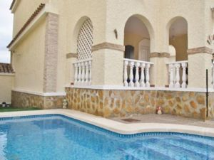 3 bedroom Villa for sale in Rebolledo