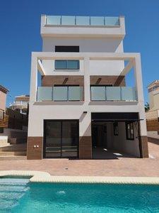 4 bedroom Villa for sale in San Miguel de Salinas