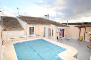 5 bedroom Villa for sale in Torremendo