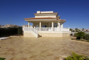 3 bedroom Villa for sale in Quesada