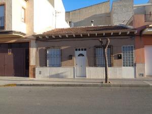 4 bedroom Villa for sale in Benejuzar