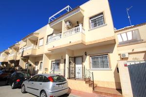 3 bedroom Townhouse for sale in Daya Vieja