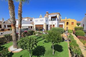 6 bedroom Villa for sale in Algorfa