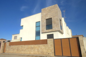4 bedroom Villa for sale in San Javier