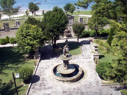 Escudos Gardens