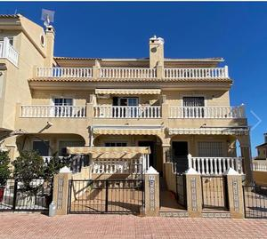 3 bedroom Townhouse for sale in La Florida