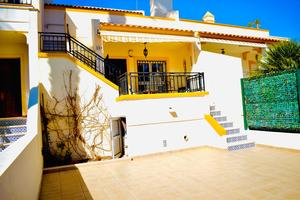 3 bed 2 bath townhouse in Villamartin
