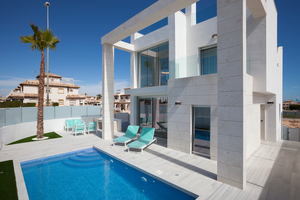 4 bedroom Villa for sale in Cabo Roig