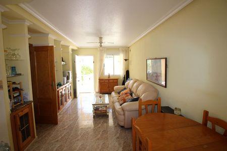 Foto de stock Bungalow con habitaciones 2 en Villamartin