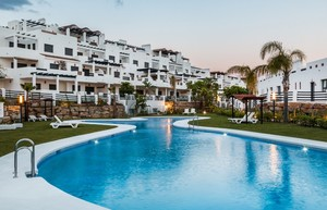 1 bedroom Penthouse for sale in Estepona