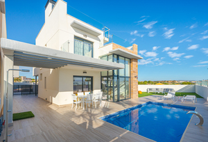 3 bedroom Villa se vende en Cabo Roig