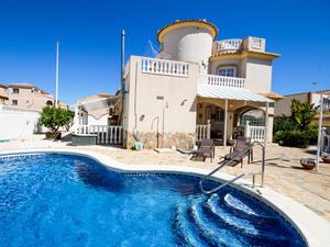 3 bedroom Villa te koop in La Zenia