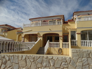 2 bedroom Townhouse for sale in Las Fillipinas