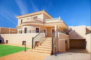 Detached villa for sale in Los Altos