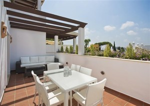 2 bedroom Penthouse for sale in Nueva Andalucia