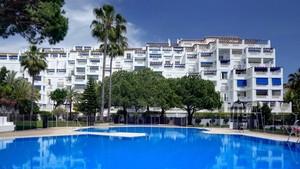 2 bedroom Apartment for sale in Puerto Banus