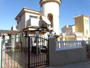 3 Bedroom 2 Bathroom in El Galan