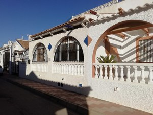 2 bedroom Bungalow for sale in Los Alcazares