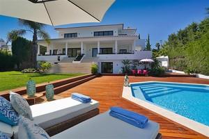 6 bedroom Villa for sale in Nueva Andalucia