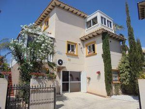 4 bedroom Villa for sale in Playa Flamenca