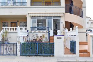 2 bedroom Ground floor apartment Forsale in Punta Prima