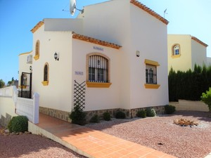 3 bed 2 bath villa for salen in Los Dolses