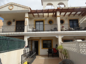 4 bedroom Townhouse for sale in Las Filipinas