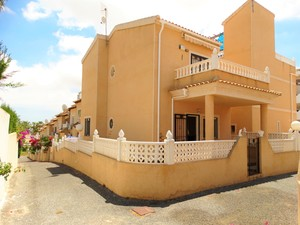 3 bed 2 bath detached villa for sale in Villacosta