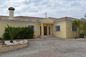 4 bedroom Villa for sale in Torremendo