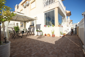 A BEAUTIFULLY PRESENTED 2 BEDROOM APARTMENT IN VILLAMARTIN