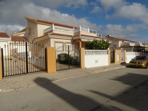 3 Bedroom 2 Bathroom Townhouse in Los Dolses