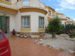 3 bedroom Villa for sale in Guardamar