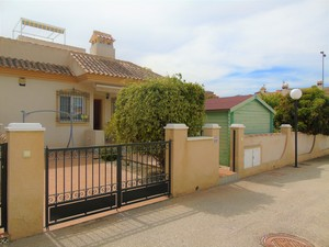 2 bedroom 1 bathroom bungalow with private pool in Villamartin