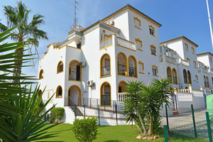 2 bedroom apartment for sale on the south side of Molino Blanco in La Zenia