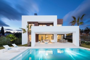 4 bedroom Villa for sale in El Paraiso