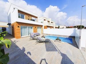 Stylish 3 Bedroom Villa for sale in Pilar de la Horadada