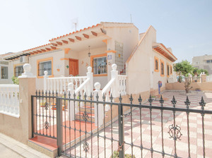 2 bedroom Bungalow for sale in Cabo Roig