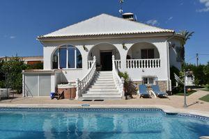 5 bedroom Villa for sale in Los Montesinos