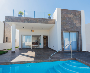 4 bedroom Villa te koop in Villamartin