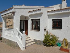 2 bedroom Villa for sale in Cuidad Quesada