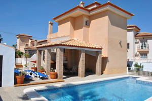 4 Bedroom 2 Bathroom Detached Villa in San Miguel De Salinas