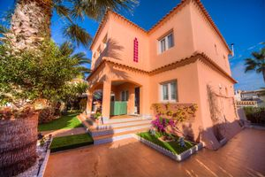 3 bedroom Villa for sale in Los Altos