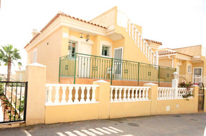 4 bedroom Villa for sale in Villamartin