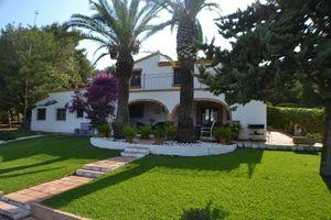 Villa de 7 dormitorios en venta en Javea