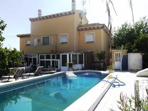 7 bedroom Villa for sale in Torrevieja